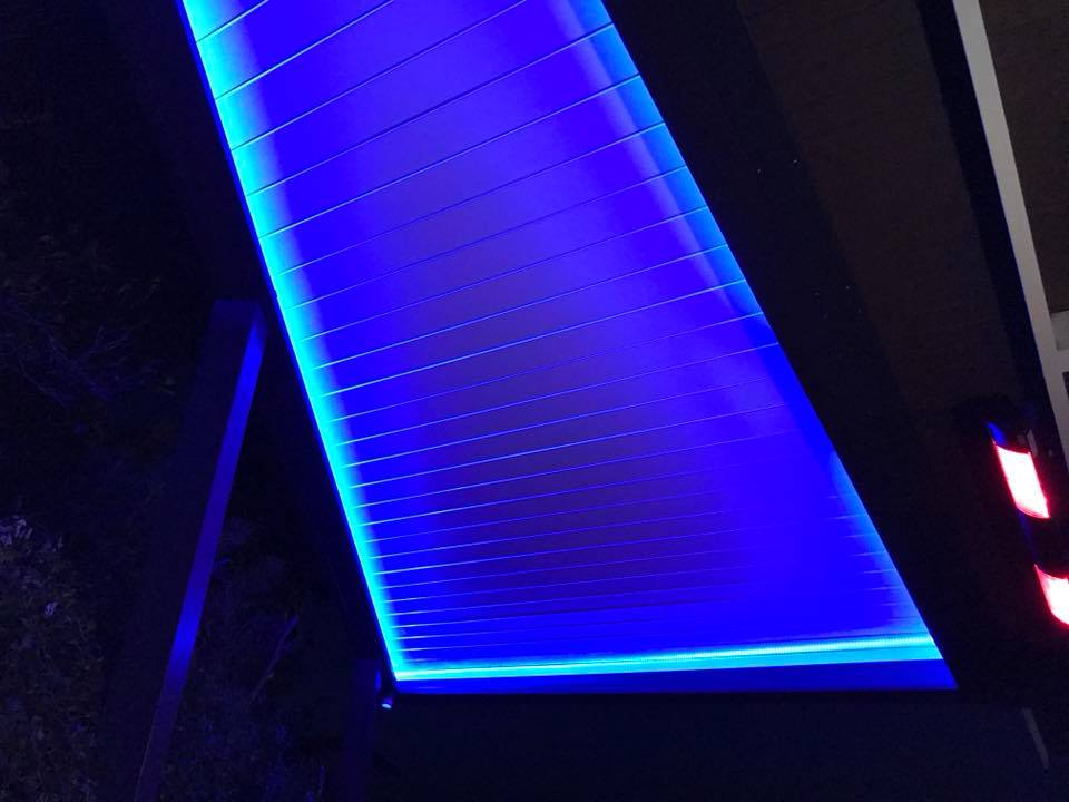 angled-light-lit-louvre-roof-1
